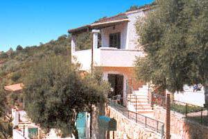 Der ort agrustos sardegna lodging for Residence agrustos
